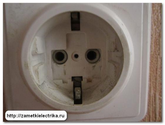 blok_vyklyuchatelej_s_rozetkoj_блок_выключателей_с_розеткой_4